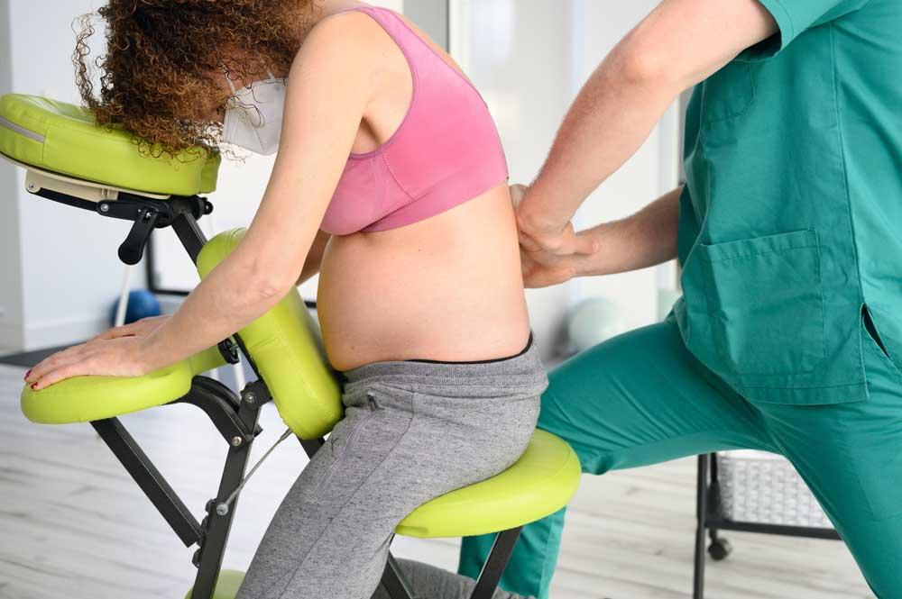 Dolori alla schiena in gravidanza a chi rivolgersi